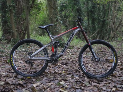 Vitus Dominer DH  2013 Mountain Bike Review