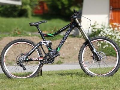 Pivot Cycles Phoenix DH  2013 Mountain Bike Review