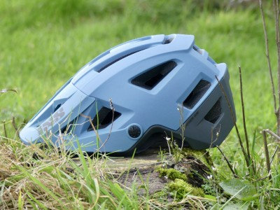 iXS Sports Division Trigger AM Helmet 2019 Mountain Bike Review