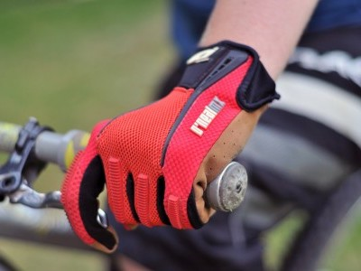 O'Neal Revolution Glove  2011 Mountain Bike Review
