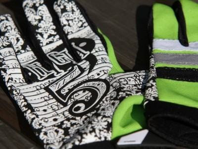 POW Gloves High 5  2011 Mountain Bike Review
