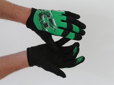 Dakine Covert Glove  2013 Mountain Bike Review