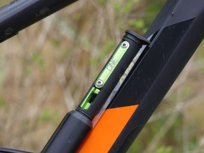 OneUp Components EDC Pump and Tool 2019 Mountain Bike Review