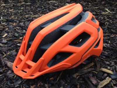 Endura SingleTrack Helmet 2016 Mountain Bike Review
