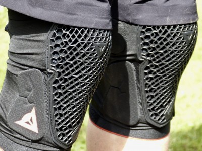 Dainese Trail Skins 2 Knee Guards 2018 Mountain Bike Review