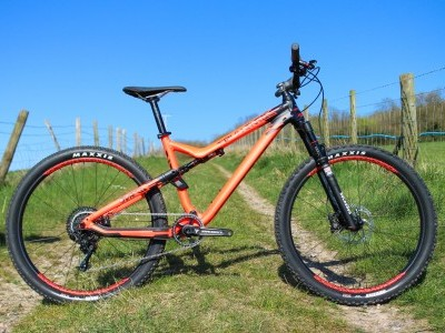 Commencal Meta Trail Race 650  2015 Mountain Bike Review