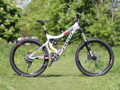 Pivot Cycles Firebird  2013 Mountain Bike Review