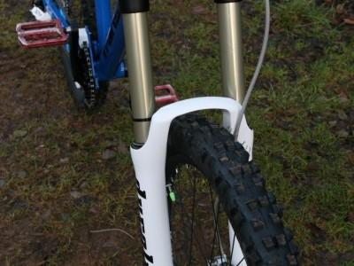 SR Suntour Durolux TAD 180mm  2011 Mountain Bike Review