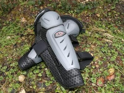 Troy Lee Designs Combat Knee/Shin Guards  2010 Mountain Bike Review