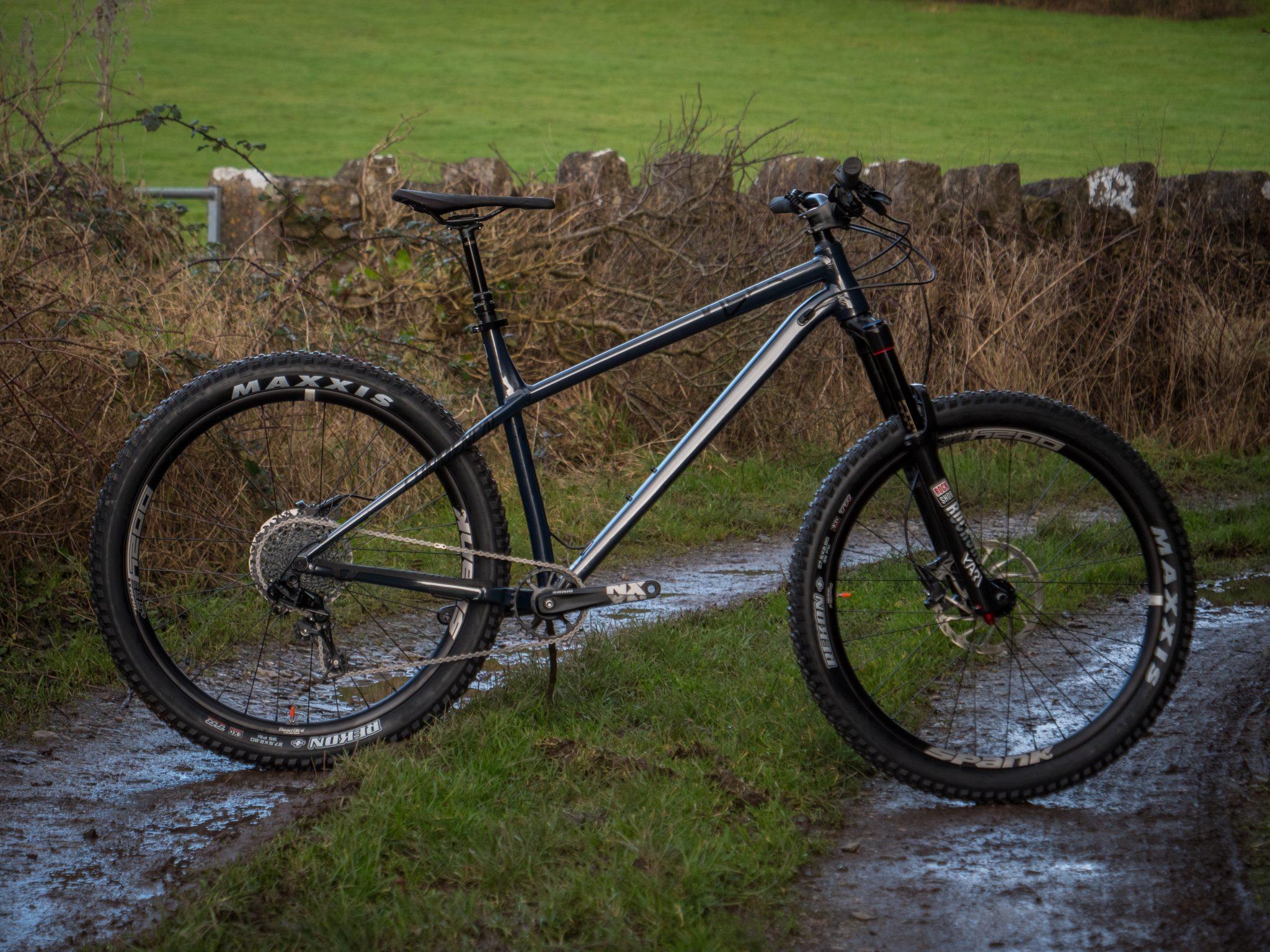 Commencal Meta Ht Am Essential 2018 Reviews 187 Bikes
