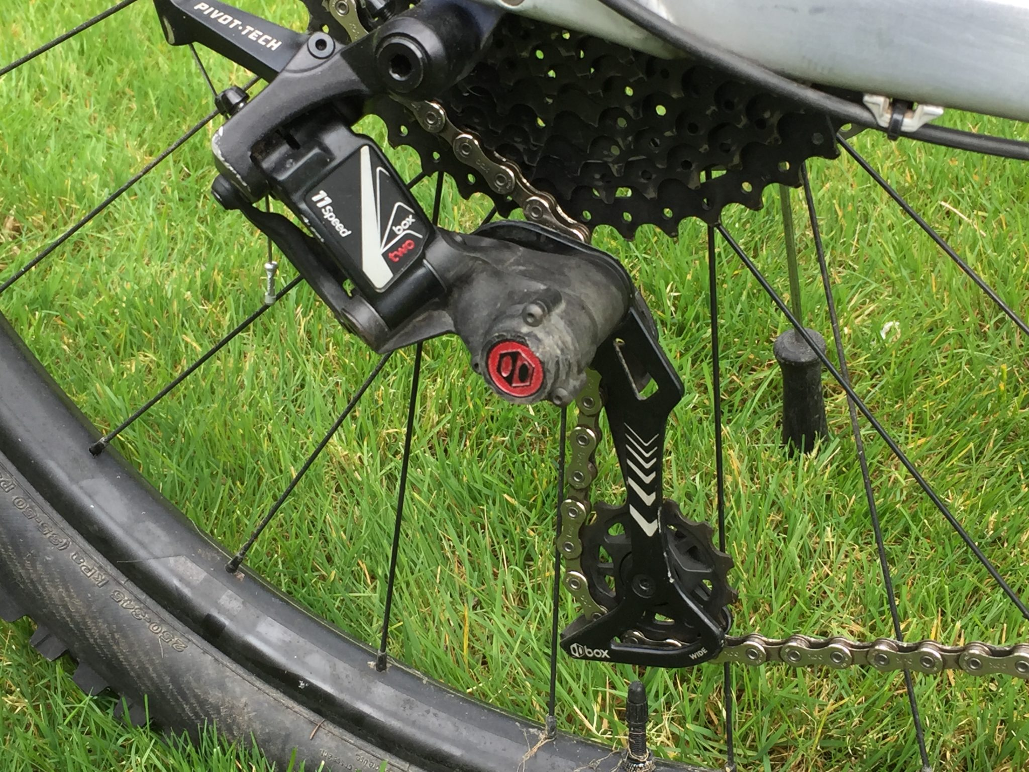 BOX COMPONENTS Two 11-Speed Cassette
